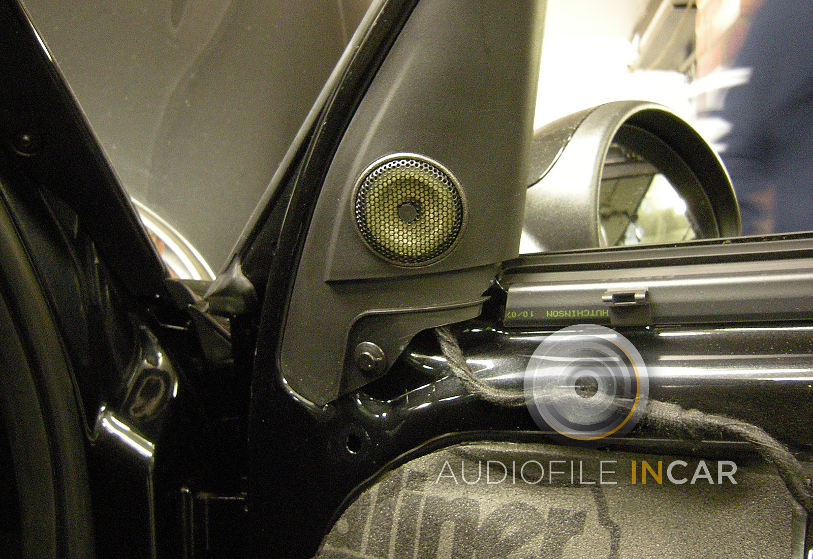 The Focal tweeter set into the re-finished door triangle making it look like part of the moulding, we try to use the Focal tweeter grill where possible as it allows for better dispersion.