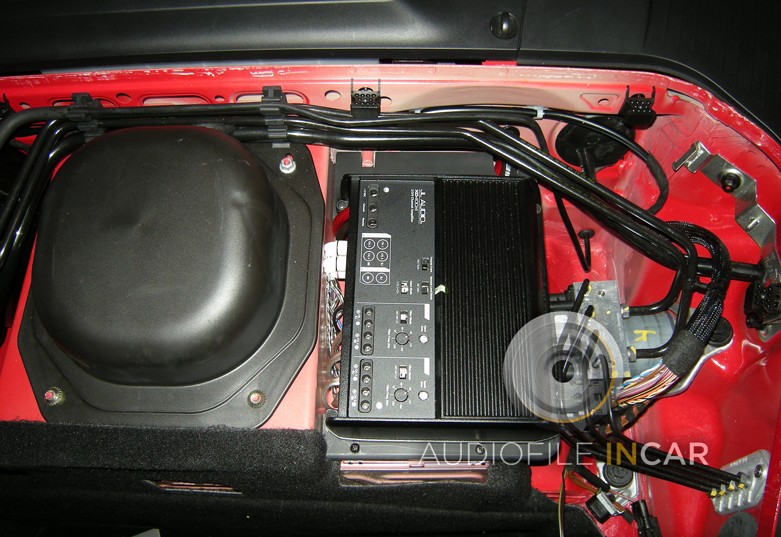 JL XD 400 4 fitted under scuttle porsche 997